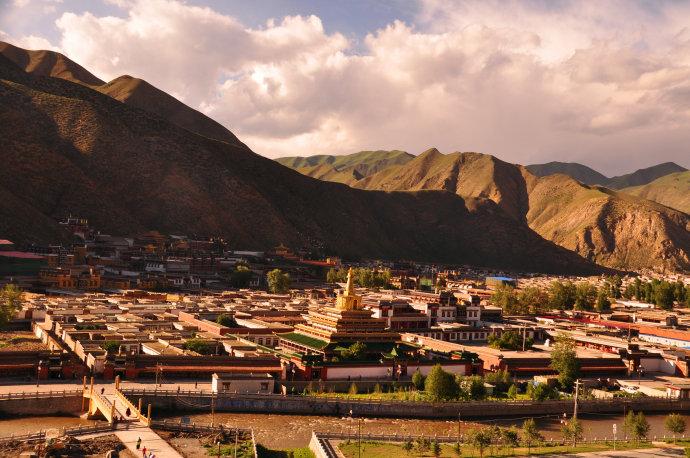 甘南旅游攻略:拉卜楞寺,桑科草原,若尔盖,郎木寺,扎尕