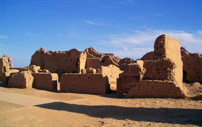 新疆吐鲁番旅游景点有那些_吐鲁番旅游景点门票_新疆旅游攻略
