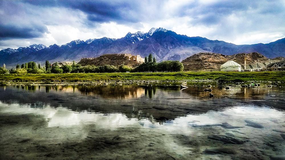 推荐新疆旅游线路:天山全景-南疆深度游 赛里木湖-喀拉峻-人体山