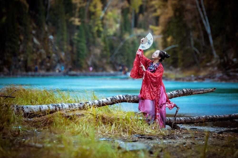 去北疆賞秋色,什么時候去景色最好?能看到哪些壯麗風景?