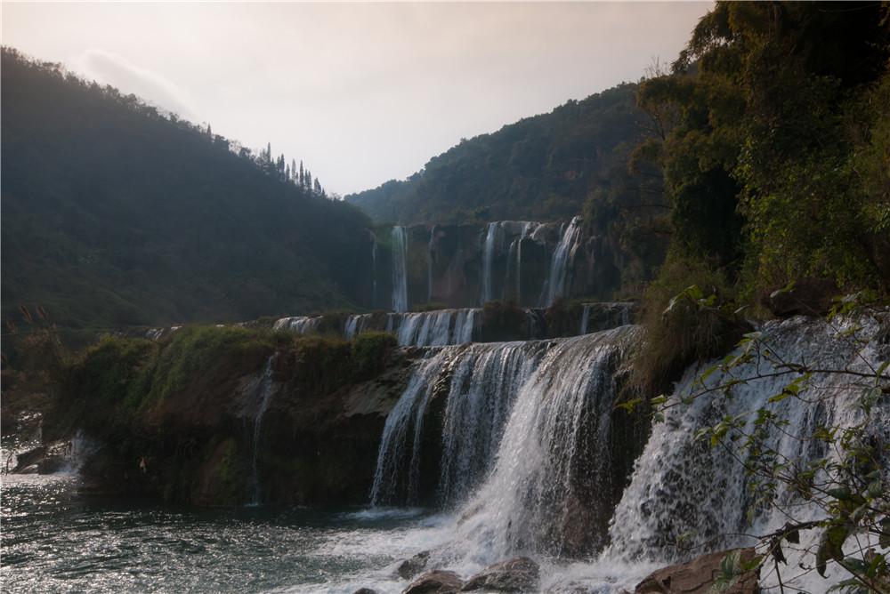 罗平九龙瀑布旅游