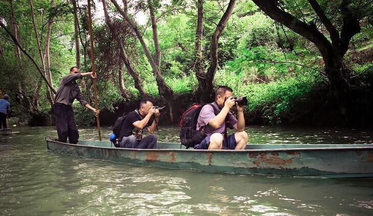 坝美驮娘江旅游