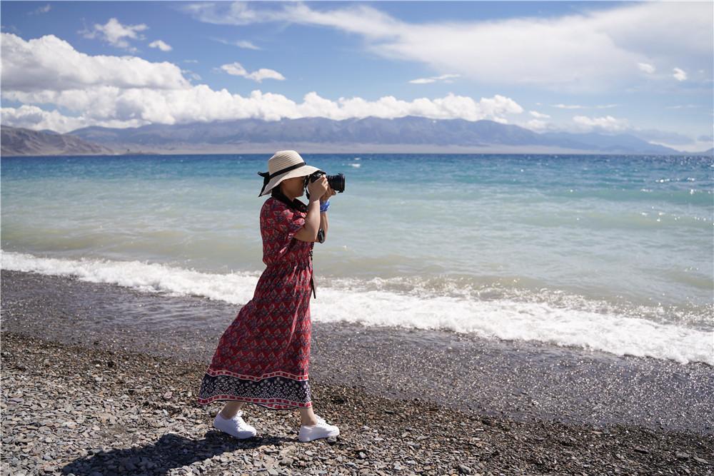 新疆赛里木湖旅游