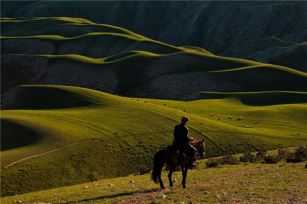 喀拉峻大草原