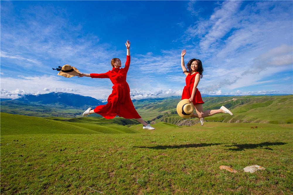 喀拉峻草原旅游